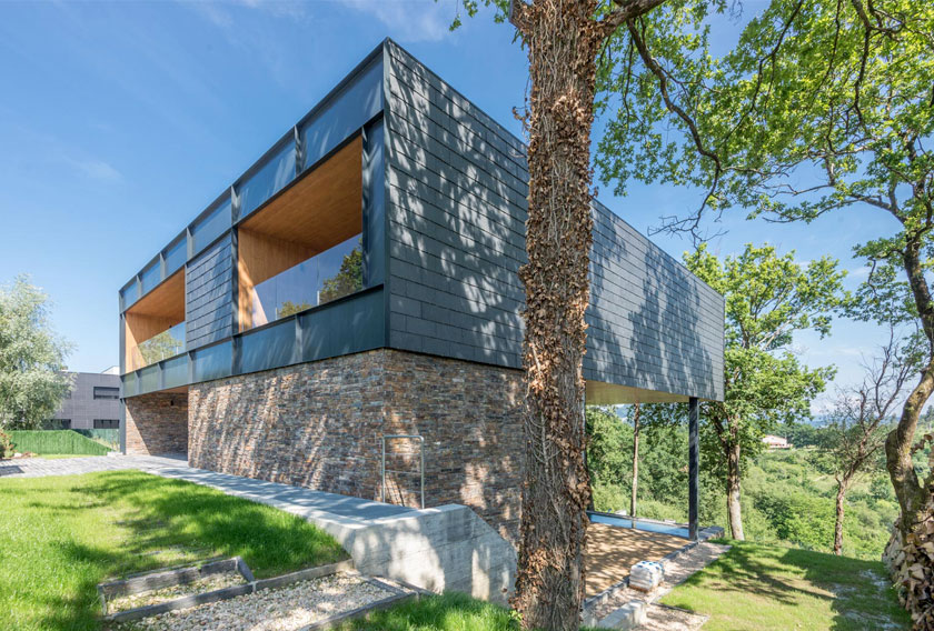 A family house with a facade of STONEPANEL™