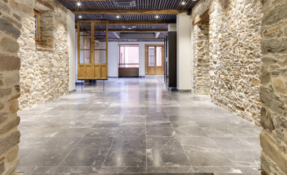 Natural stone floor coverings reduce environmental and economic impact