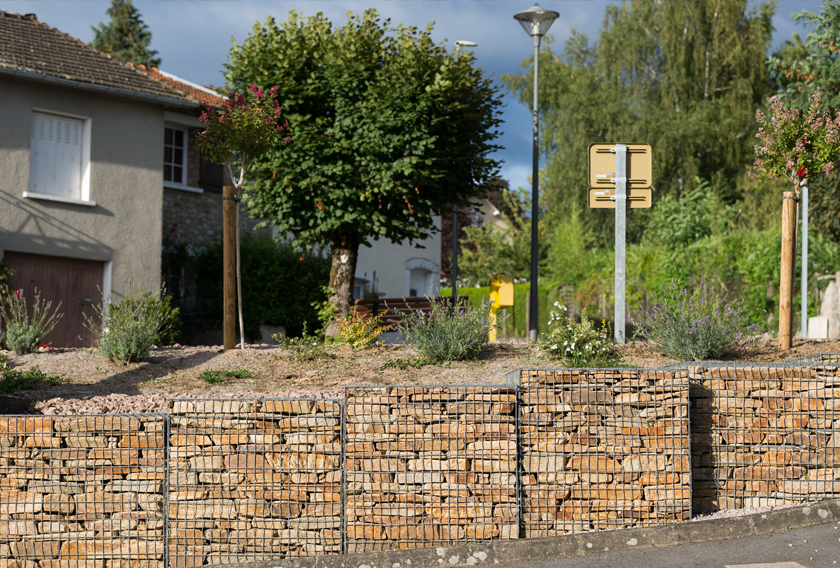 Gabions of Saint-Yrieix Gneiss for retaining walls