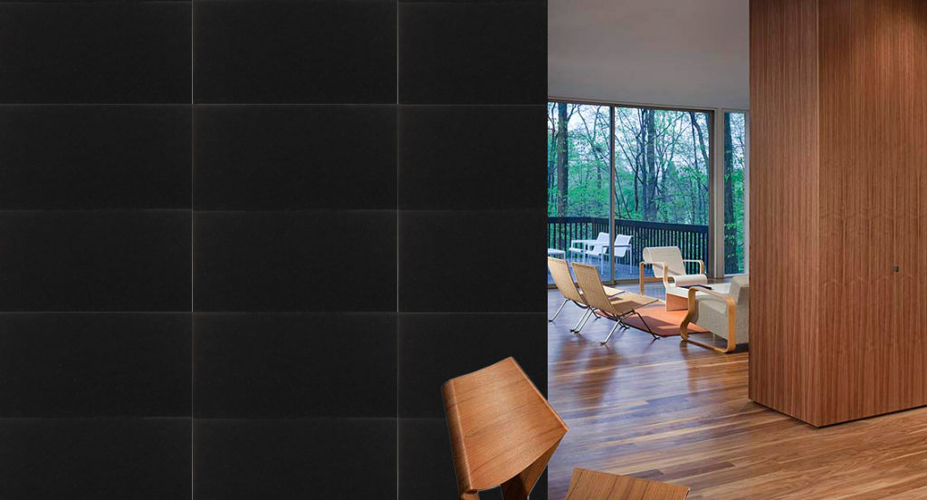 Interior wall clad in Zimbabwe Black granite