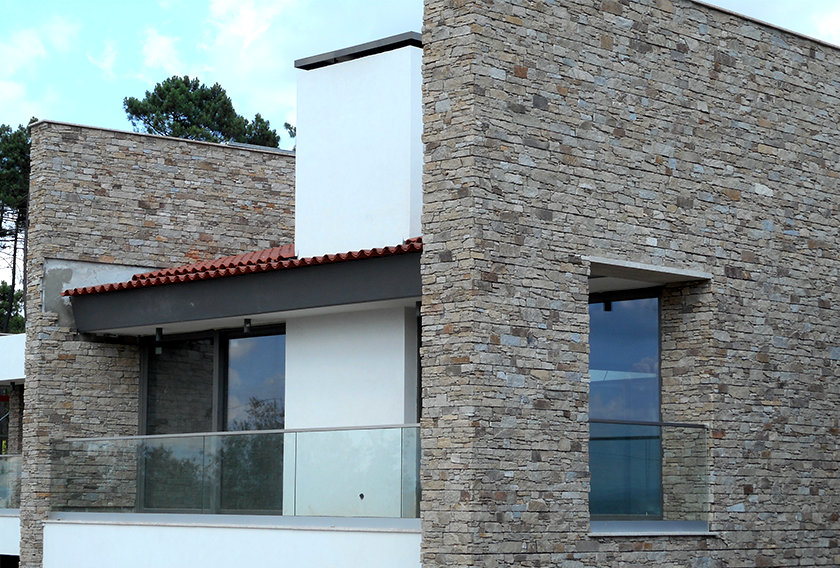 Contemporary facade clad in Stonepanel Sylvestre